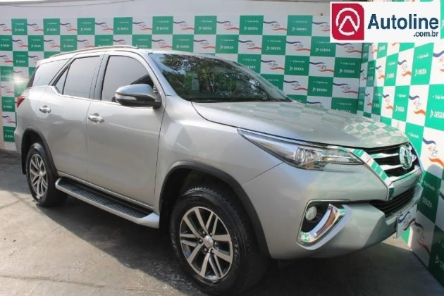 //www.autoline.com.br/carro/toyota/hilux-sw4-28-srx-16v-diesel-4p-automatico-4x4-turbo-int/2017/varzea-grande-mt/9764676