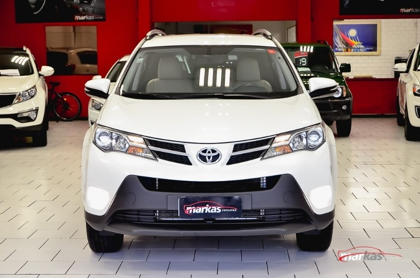 //www.autoline.com.br/carro/toyota/rav4-20-16v-gasolina-4p-automatico/2015/porto-alegre-rs/12527076