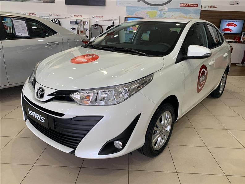 //www.autoline.com.br/carro/toyota/yaris-15-xl-plus-tech-16v-sedan-flex-4p-automatico/2020/sao-paulo-sp/12012384