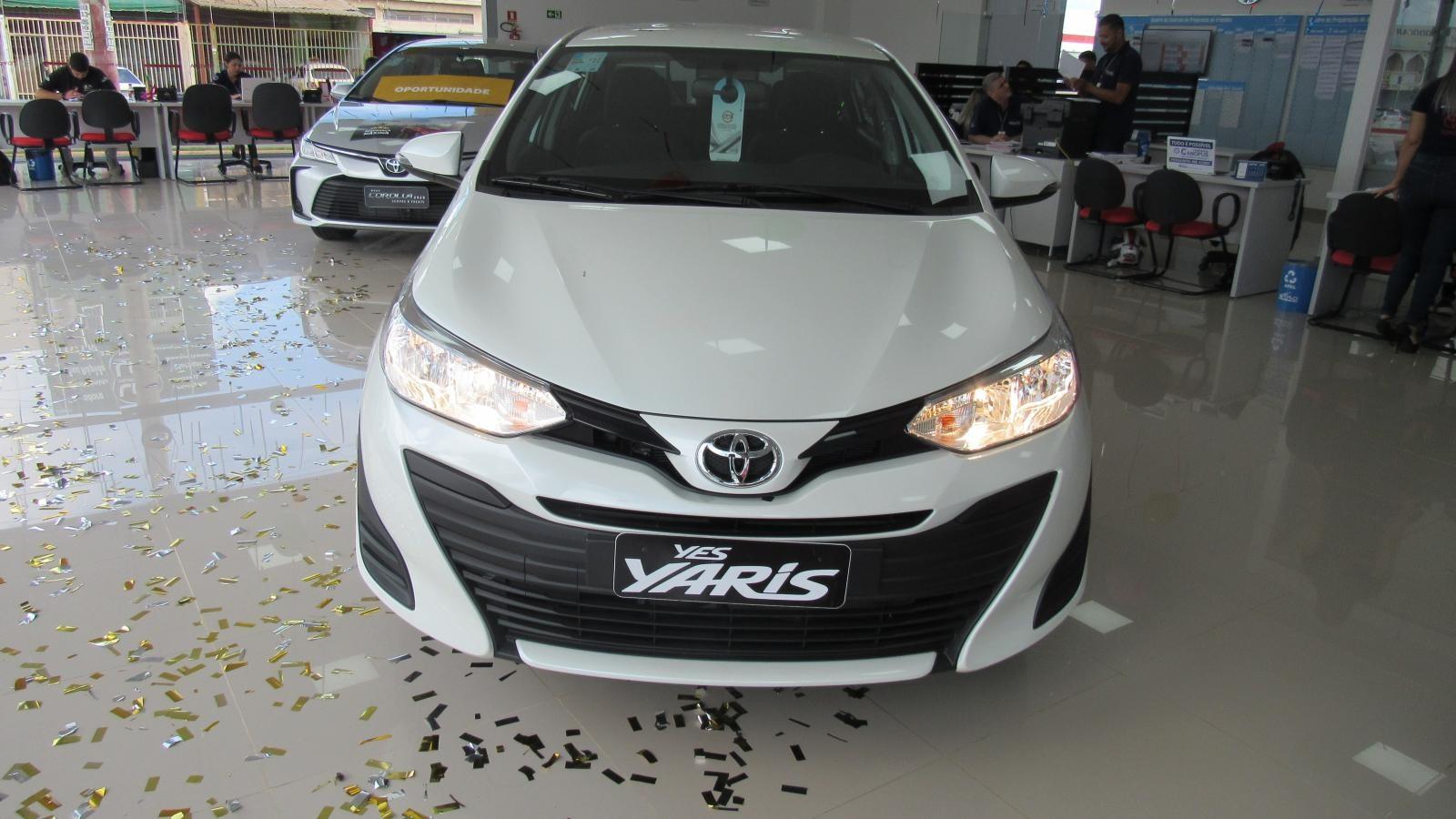 //www.autoline.com.br/carro/toyota/yaris-15-xl-16v-sedan-flex-4p-manual/2020/brasilia-df/12330819