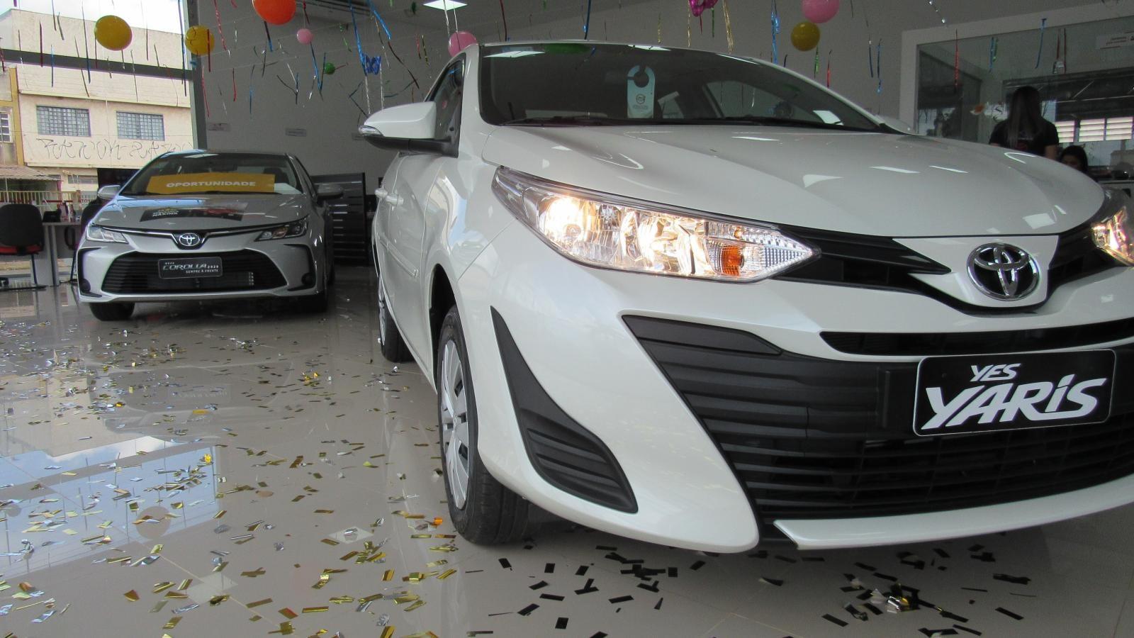 //www.autoline.com.br/carro/toyota/yaris-15-xls-connect-16v-flex-4p-automatico/2021/brasilia-df/12330841