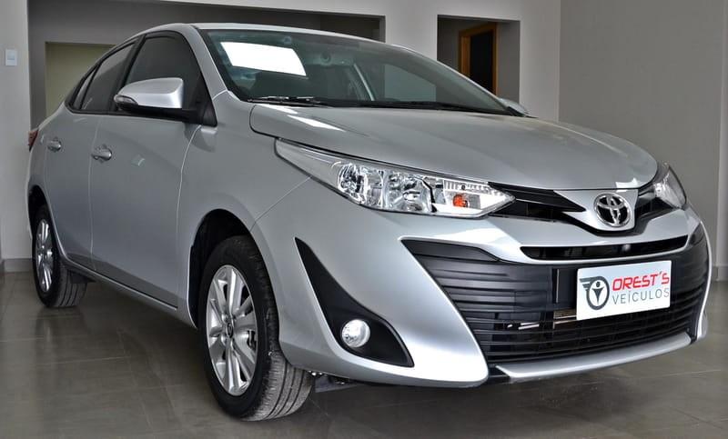 //www.autoline.com.br/carro/toyota/yaris-15-xl-16v-sedan-flex-4p-automatico/2019/brasilia-df/12722657