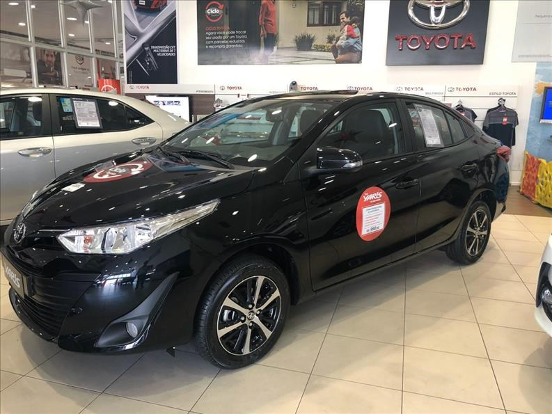 //www.autoline.com.br/carro/toyota/yaris-15-xs-connect-16v-sedan-flex-4p-automatico/2021/sao-paulo-sp/13486027