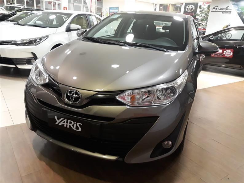 //www.autoline.com.br/carro/toyota/yaris-15-xl-plus-connect-16v-sedan-flex-4p-automati/2021/sao-paulo-sp/13613136