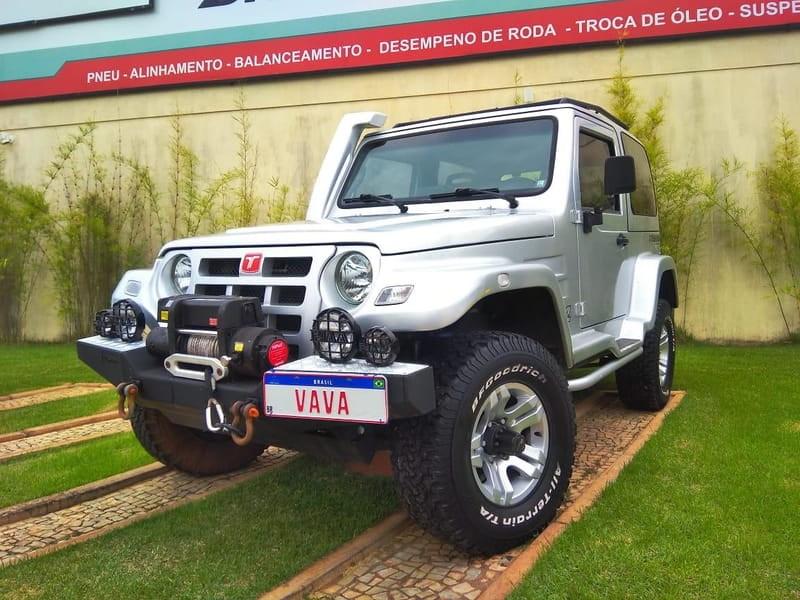 //www.autoline.com.br/carro/troller/t4-30-ford-turbo-eletr-163cv-2p-diesel-manual/2011/brasilia-df/12765076