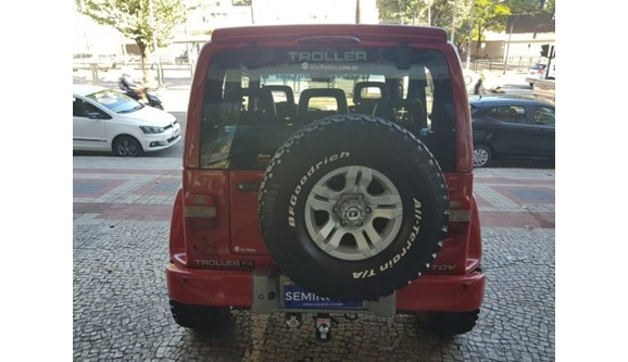 //www.autoline.com.br/carro/troller/t4-32-8v-diesel-2p-manual-4x4-turbo-intercooler/2013/belo-horizonte-mg/8574013