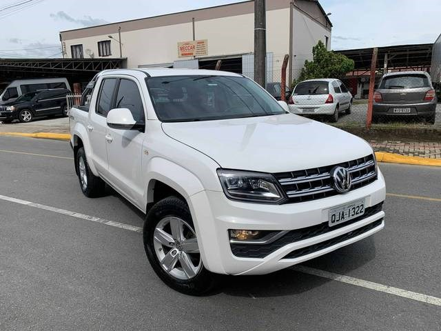 //www.autoline.com.br/carro/volkswagen/amarok-20-cd-highline-16v-diesel-4p-4x4-turbo-automa/2017/guaramirim-sc/14046901