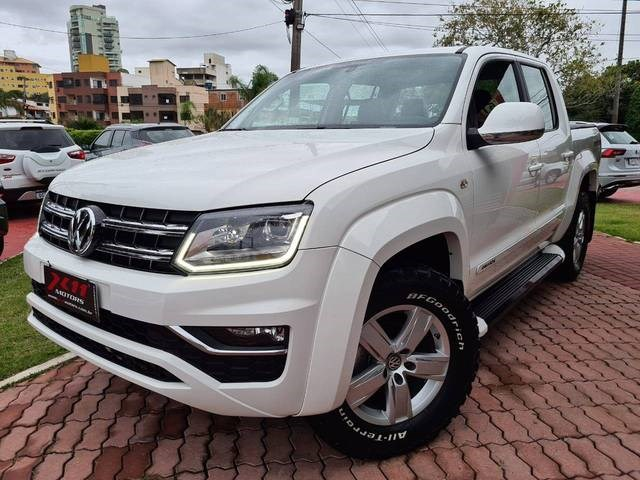 //www.autoline.com.br/carro/volkswagen/amarok-20-cd-highline-16v-diesel-4p-4x4-turbo-automa/2017/macae-rj/14065529