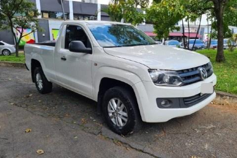 //www.autoline.com.br/carro/volkswagen/amarok-20-cs-s-16v-diesel-2p-4x4-turbo-manual/2016/sao-paulo-sp/14396412