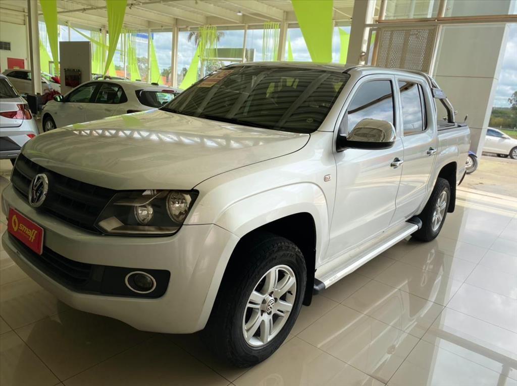 //www.autoline.com.br/carro/volkswagen/amarok-20-cd-s-16v-diesel-4p-4x4-turbo-manual/2013/brasilia-df/14515993