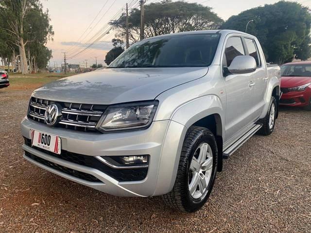 //www.autoline.com.br/carro/volkswagen/amarok-20-cd-highline-16v-diesel-4p-4x4-turbo-automa/2017/brasilia-df/14891648