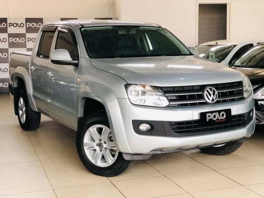 //www.autoline.com.br/carro/volkswagen/amarok-20-cd-trendline-16v-diesel-4p-4x4-turbo-manua/2014/viamao-rs/15489123