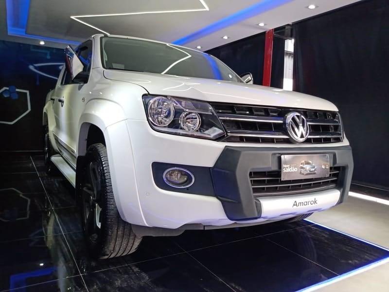 //www.autoline.com.br/carro/volkswagen/amarok-20-cd-highline-16v-diesel-4p-4x4-turbo-automa/2015/curitiba-pr/15593262