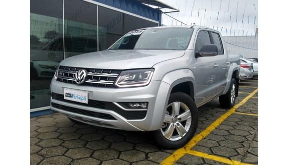 //www.autoline.com.br/carro/volkswagen/amarok-30-highline-24v-diesel-4p-automatico-4x4-turb/2018/curitiba-pr/6766929