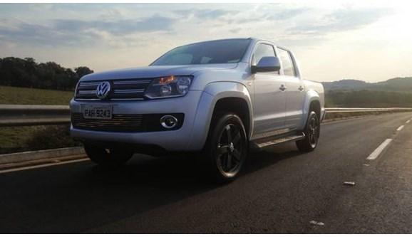//www.autoline.com.br/carro/volkswagen/amarok-20-highline-4motion-bi-tdi-180cv-4p-diesel-ma/2015/xanxere-sc/9387044