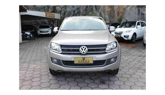 //www.autoline.com.br/carro/volkswagen/amarok-20-highline-16v-diesel-4p-automatico-4x4-turb/2014/florianopolis-sc/6427169