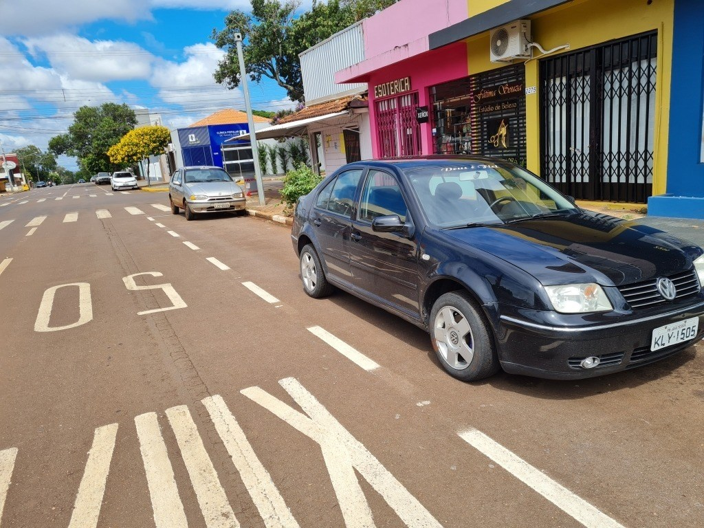 //www.autoline.com.br/carro/volkswagen/bora-20-8v-gasolina-4p-automatico/2006/toledo-pr/14328688