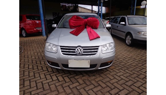 //www.autoline.com.br/carro/volkswagen/bora-20-8v-gasolina-4p-manual/2008/cascavel-pr/7916640