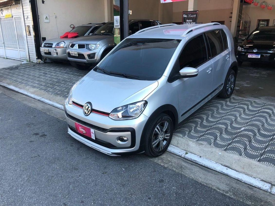 //www.autoline.com.br/carro/volkswagen/cross-up-10-tsi-12v-flex-4p-turbo-manual/2018/praia-grande-sp/11562607