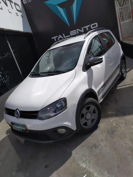 //www.autoline.com.br/carro/volkswagen/crossfox-16-8v-flex-4p-manual/2012/brasilia-df/10982307
