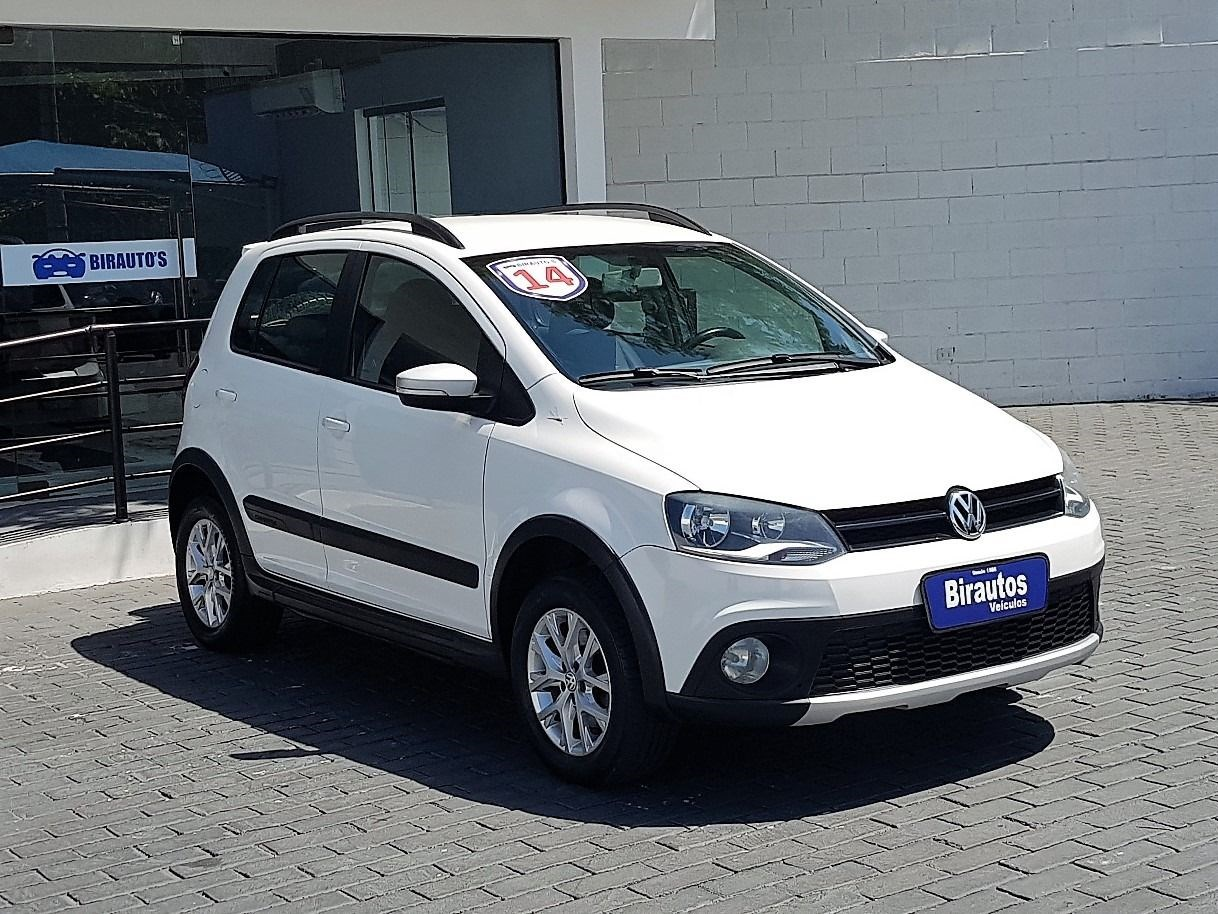 //www.autoline.com.br/carro/volkswagen/crossfox-16-8v-flex-4p-manual/2014/guaruja-sp/14305512