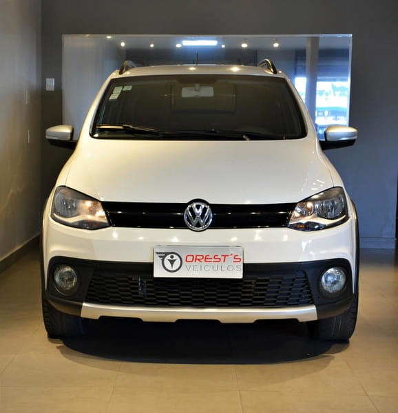 //www.autoline.com.br/carro/volkswagen/crossfox-16-8v-flex-4p-i-motion/2014/brasilia-df/15159182