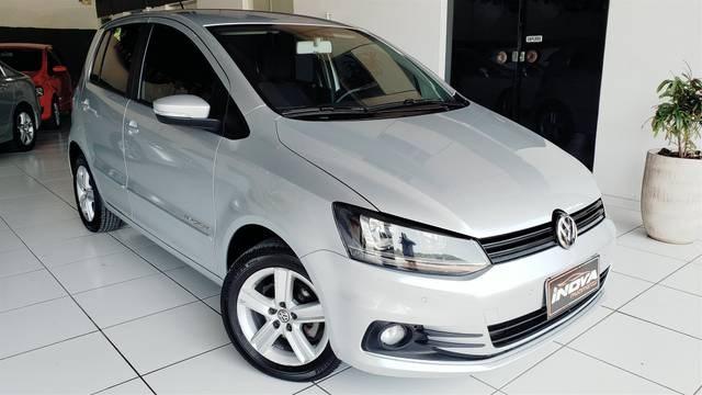 //www.autoline.com.br/carro/volkswagen/fox-16-comfortline-8v-flex-4p-manual/2015/blumenau-sc/10587851