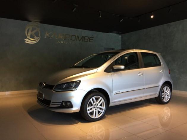 //www.autoline.com.br/carro/volkswagen/fox-16-highline-16v-flex-4p-manual/2016/caetite-ba/11910178