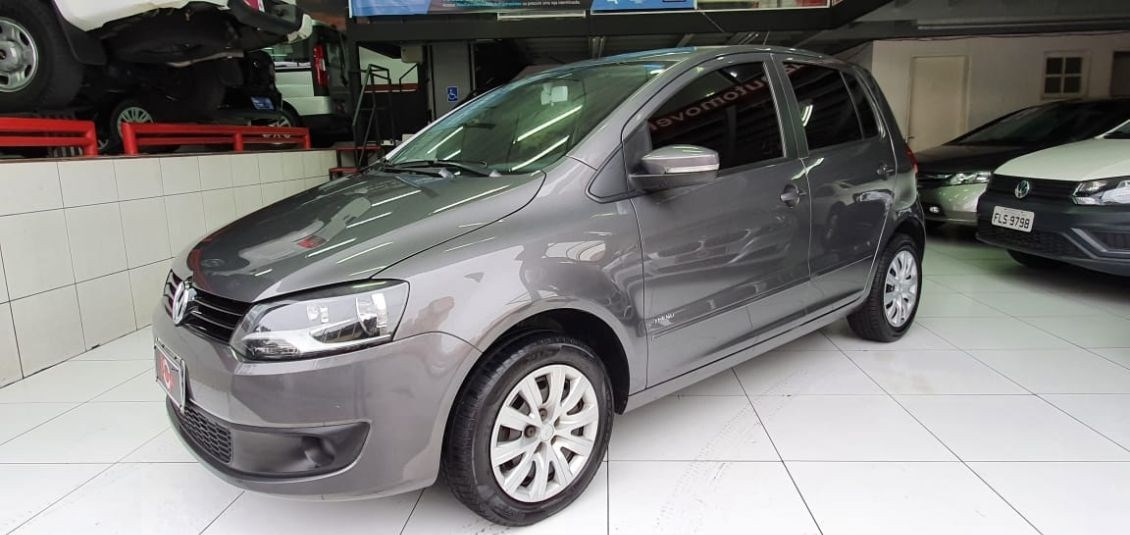 //www.autoline.com.br/carro/volkswagen/fox-10-tec-8v-flex-4p-manual/2013/sao-paulo-sp/12128799