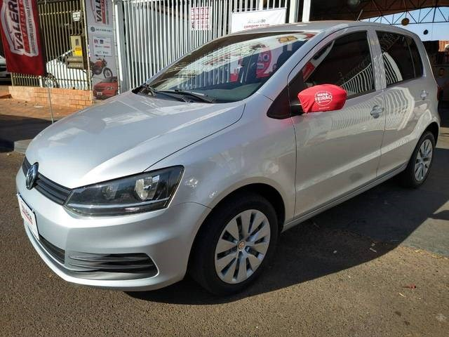 //www.autoline.com.br/carro/volkswagen/fox-16-trendline-8v-flex-4p-manual/2015/rio-verde-go/12395606