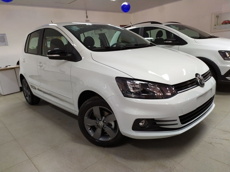 //www.autoline.com.br/carro/volkswagen/fox-16-connect-8v-flex-4p-manual/2021/brasilia-df/13564430