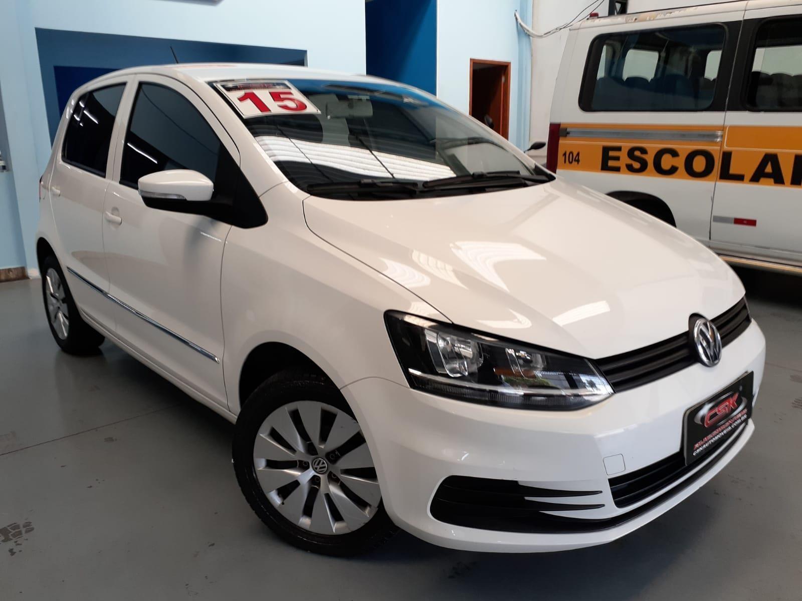 //www.autoline.com.br/carro/volkswagen/fox-16-trendline-8v-flex-4p-manual/2015/osasco-sp/15589042