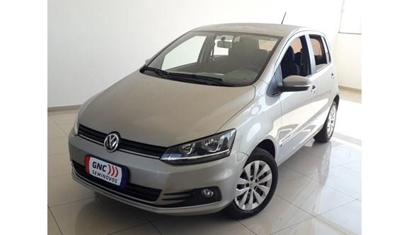 //www.autoline.com.br/carro/volkswagen/fox-10-comfortline-8v-flex-4p-manual/2015/belo-horizonte-mg/7317050