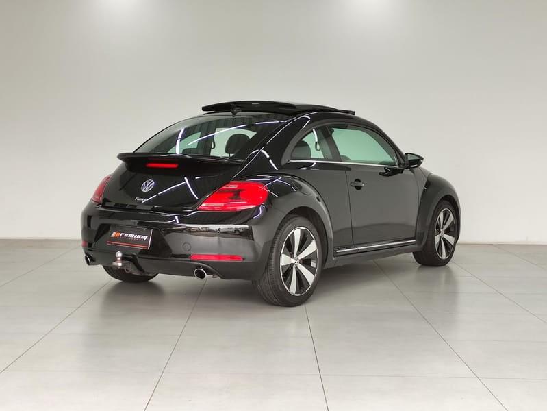 //www.autoline.com.br/carro/volkswagen/fusca-20-hatch-tsi-16v-gasolina-2p-turbo-dsg/2013/curitiba-pr/15651472