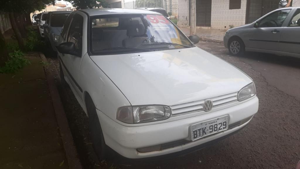 //www.autoline.com.br/carro/volkswagen/gol-16-cli-78cv-2p-gasolina-manual/1995/uberaba-mg/14613537