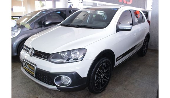 //www.autoline.com.br/carro/volkswagen/gol-16-rallye-16v-flex-4p-manual/2016/brasilia-df/6313878