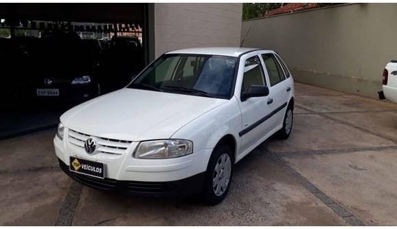 //www.autoline.com.br/carro/volkswagen/gol-10-plus-8v-flex-4p-manual/2006/catanduva-sp/6998233