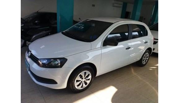 //www.autoline.com.br/carro/volkswagen/gol-10-8v-flex-4p-manual/2015/joacaba-sc/8152734