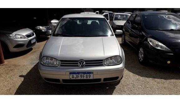 //www.autoline.com.br/carro/volkswagen/golf-20-mi-115cv-4p-gasolina-manual/2000/araucaria-pr/10921752