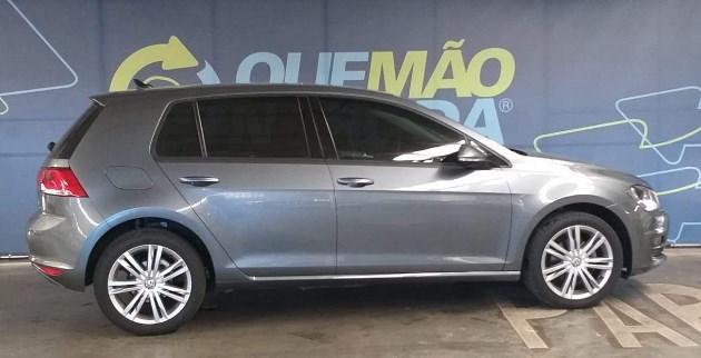 //www.autoline.com.br/carro/volkswagen/golf-10-tsi-comfortline-12v-flex-4p-turbo-manual/2017/porto-alegre-rs/11004162