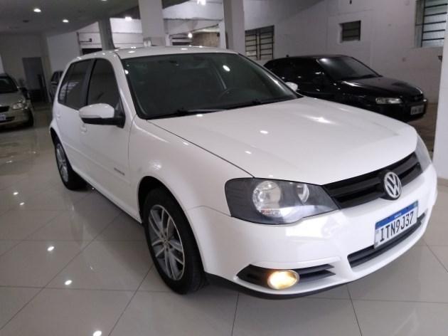 //www.autoline.com.br/carro/volkswagen/golf-16-sportline-8v-flex-4p-manual/2013/santiago-rs/11015124