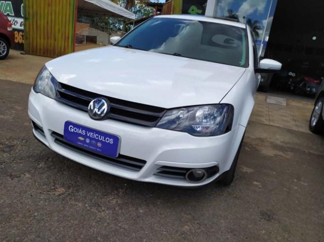 //www.autoline.com.br/carro/volkswagen/golf-16-sportline-8v-flex-4p-manual/2013/jaragua-go/11085451