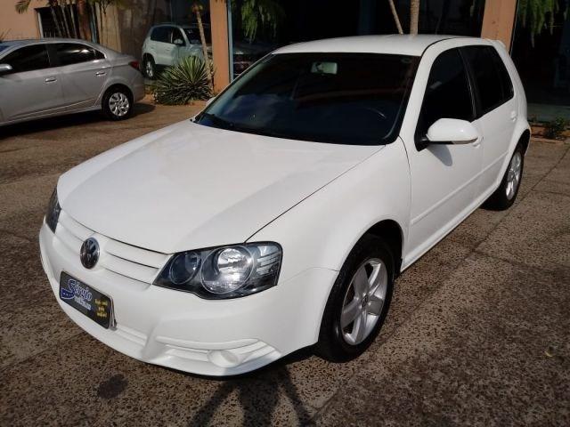 //www.autoline.com.br/carro/volkswagen/golf-16-8v-flex-4p-manual/2012/teutonia-rs/11615345