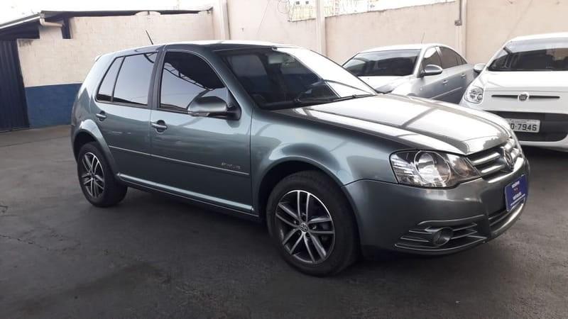 //www.autoline.com.br/carro/volkswagen/golf-16-sportline-8v-flex-4p-manual/2010/goiania-go/12356674