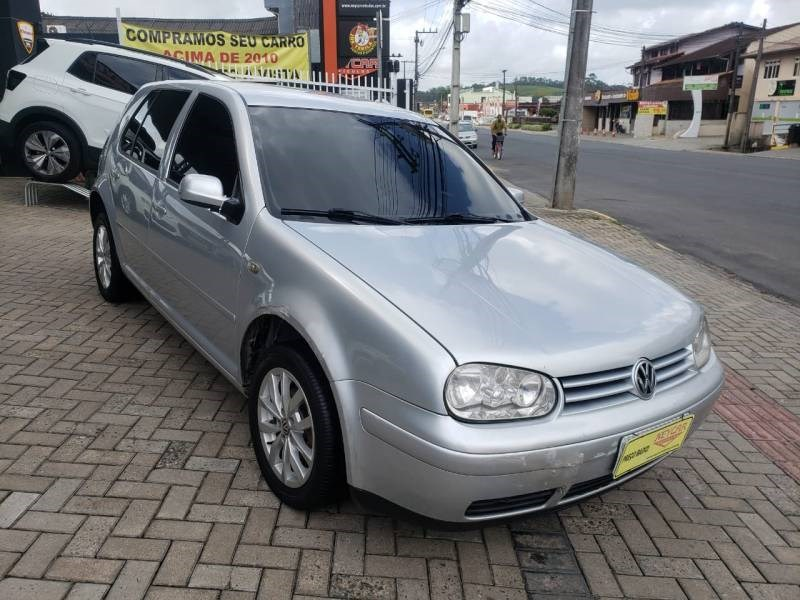 //www.autoline.com.br/carro/volkswagen/golf-16-generation-8v-gasolina-4p-manual/2004/joinville-sc/12714465
