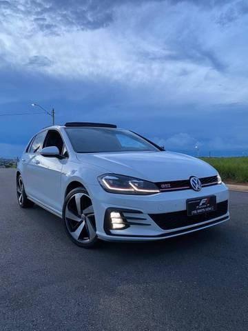 //www.autoline.com.br/carro/volkswagen/golf-20-350-tsi-gti-16v-gasolina-4p-turbo-dsg/2019/sao-joao-da-boa-vista-sp/13379540