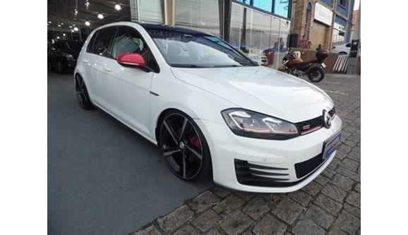 //www.autoline.com.br/carro/volkswagen/golf-20-gti-16v-gasolina-4p-dsg/2015/vinhedo-sp/8106214