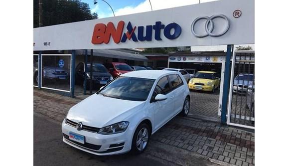 //www.autoline.com.br/carro/volkswagen/golf-16-comfortline-16v-flex-4p-automatico/2016/chapeco-sc/8335703