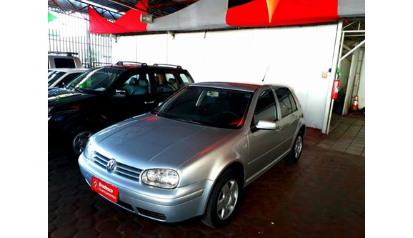 //www.autoline.com.br/carro/volkswagen/golf-16-8v-gasolina-4p-manual/2003/cascavel-pr/8575726
