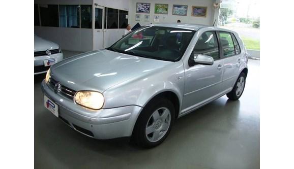 //www.autoline.com.br/carro/volkswagen/golf-20-mi-115cv-4p-gasolina-manual/2003/blumenau-sc/8635238